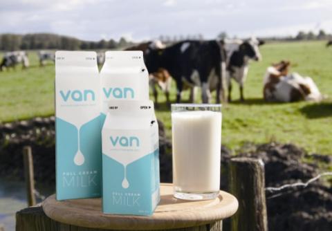 为了将鲜奶空运到中国 他们竟然开通一个新航线